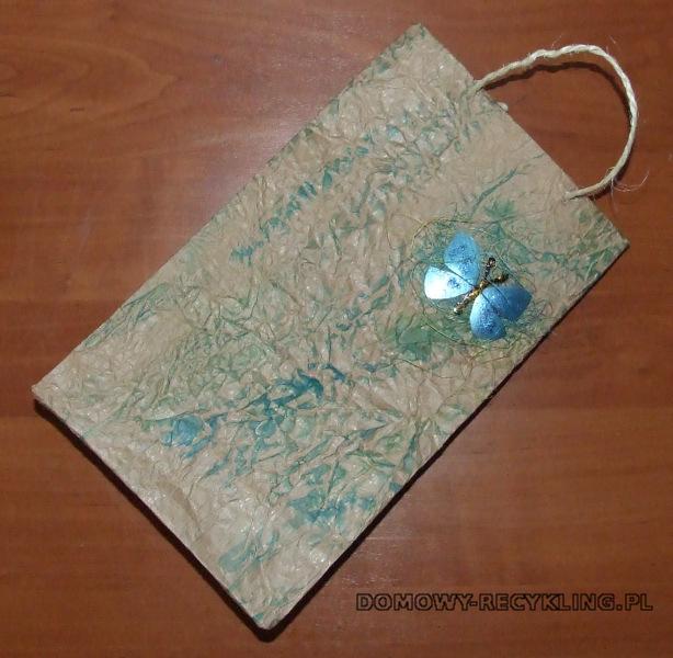 Torba na prezenty wykonana z papieru pakowego