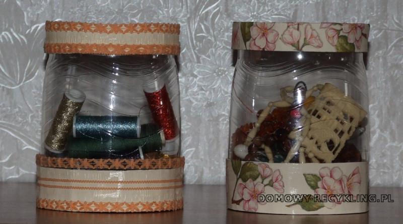 Gotowe pudełka z plastikowych butelek