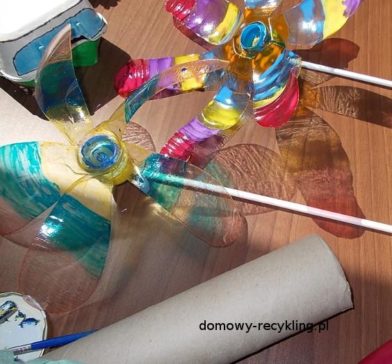 Wiatraki z platikowych butelek